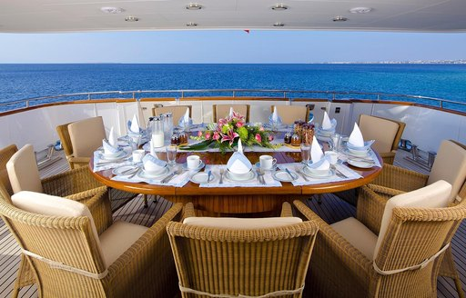 alfresco dining on the aft deck of superyacht idylle