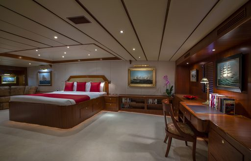 Charter A Luxury Yacht For Chinese New Year 2016 photo 6