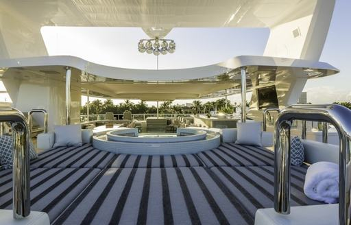 Charter Yacht 'King Baby' Offers Outstanding New Year's Deal photo 5