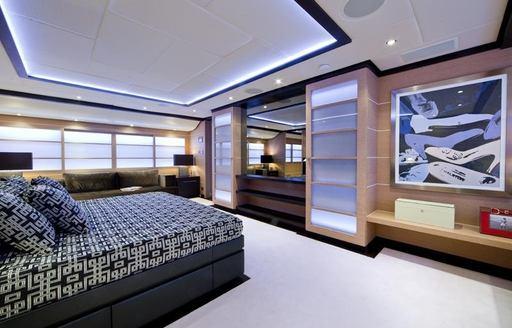 superyacht SOFIA 3's master suite