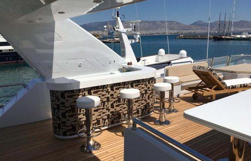 bar yacht charter lady g ii