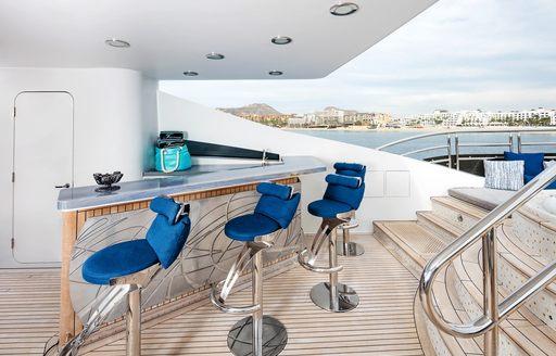 bar on luxury superyacht tsumat