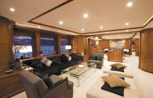 classically styled main salon on board motor yacht SEABLUE'Z