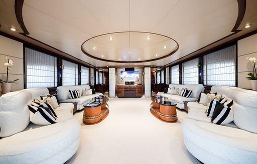 main salon on luxury yacht magenta m