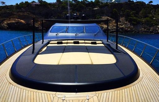 Sunpads on charter yacht NEOPRENE