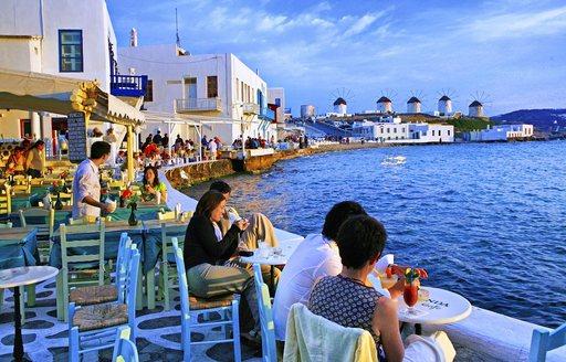 Seafront restaurants in Mykonos