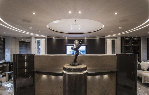 Steel sculpture on superyacht SEVERIN'S