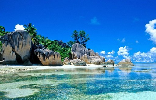 The Ultimate Guide to Luxury Yacht Charters in South East Asia photo 9