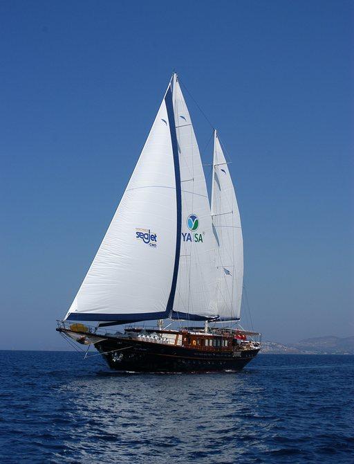 luxury gulet Sea Dream cruising on charter