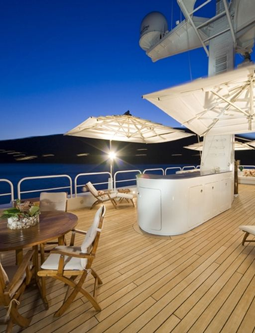 expedition yacht TITAN's deck seating