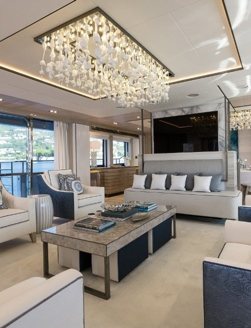 Superyacht THUMPER's main salon