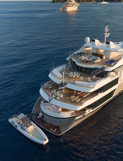Superyacht Serenity exterior decks