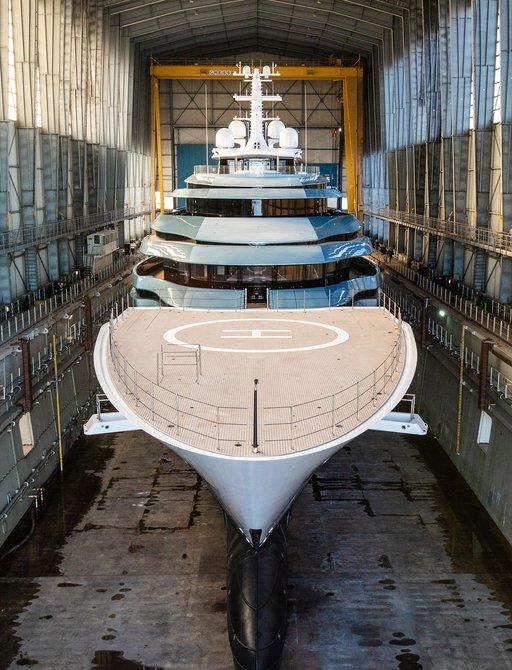 luxury yacht Kaos head on view