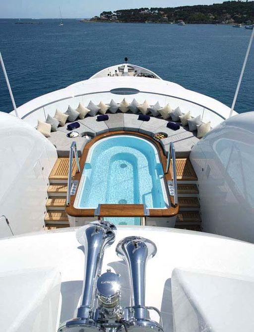 jacuzzi on sundeck of luxury yacht wheels