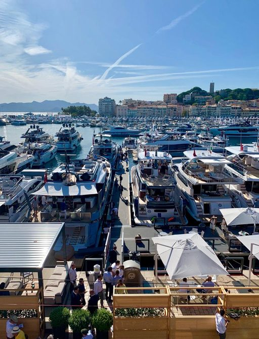 Aft decks of yachts in line at Cannes Yachting Festival 2019