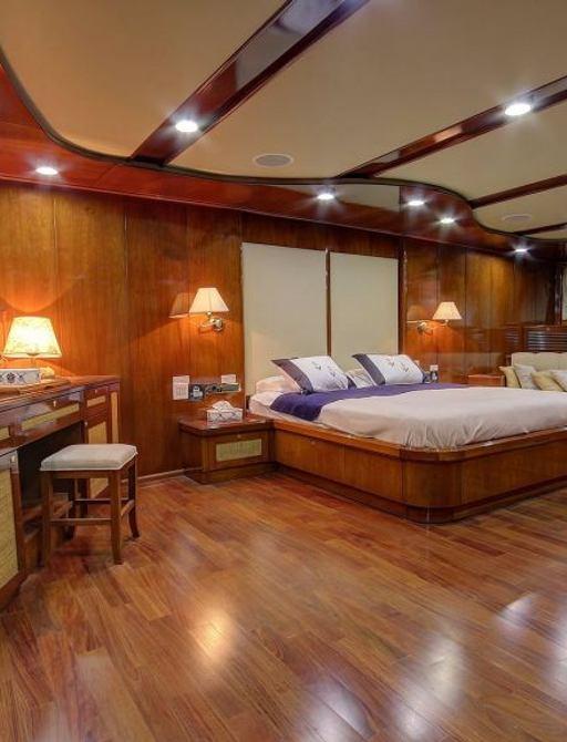 full beam master suite on luxury gulet Sea Dream