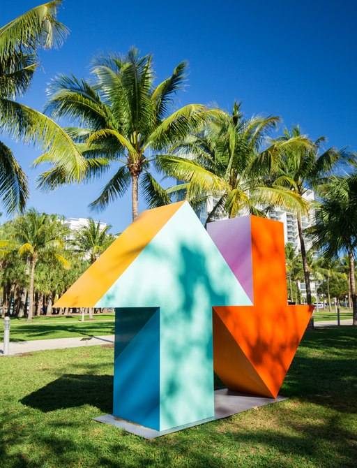 two giant arrow sculptures in Collins Park, South Beach, for Art Basel Miami