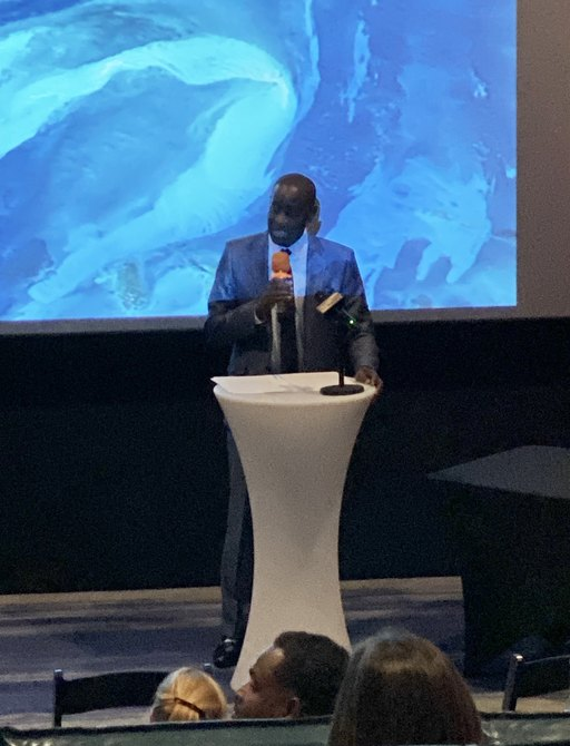 ministry of tourism and aviation gives speech at bahamas charter show in nassau