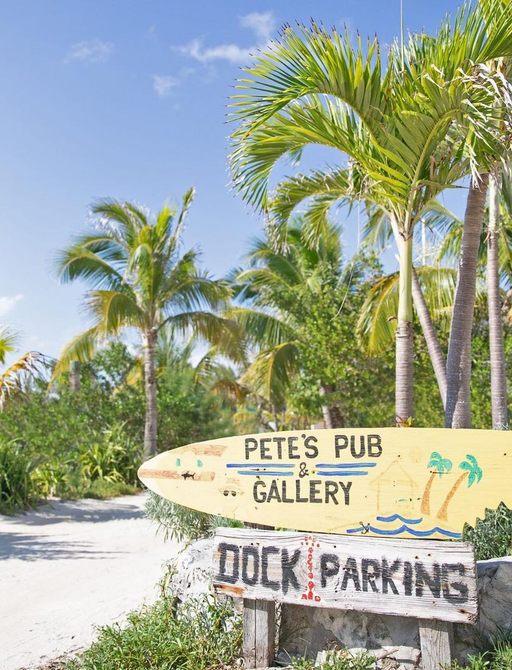 Bahamas petes pub