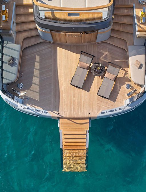step access to the sea on luxury yacht geco