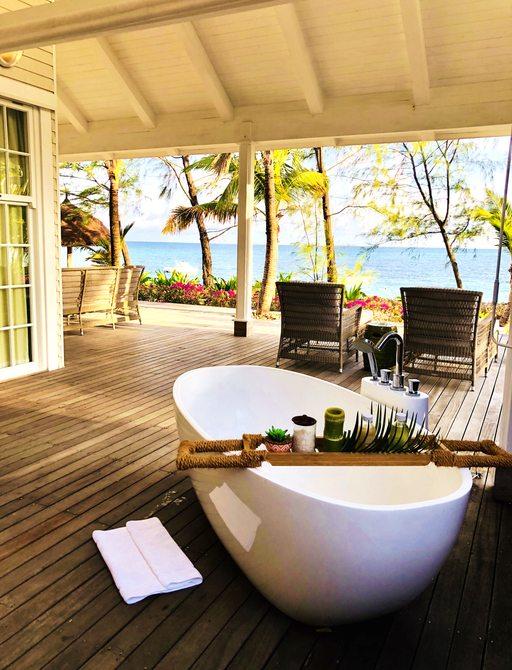 bath on outdoor terrace of the villa acommodation on thanda island