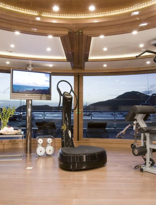 Guests can enjoy motor yacht Alfa Nero's fully equipped gym