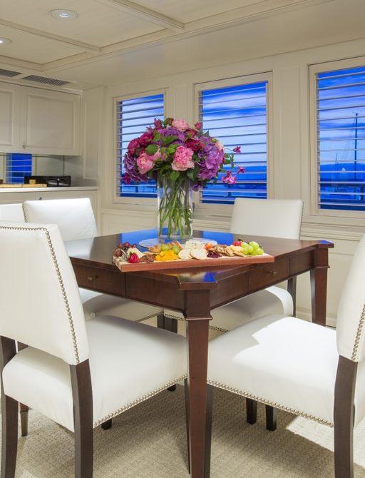 New white decor in RHINO's salon