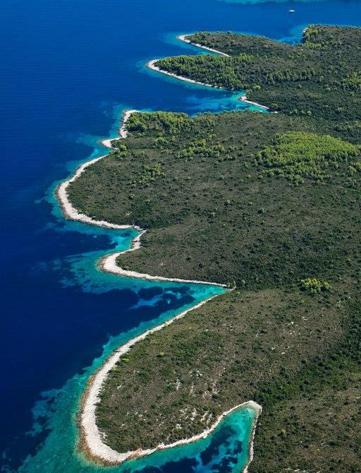 Lovisce inlet croatia