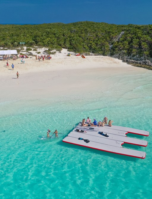 exumas floating island close to sandy beach