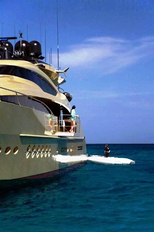 Luxury Yacht Engine Room: HOKULANI Yacht Photos - Palmer Johnson