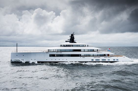 Feadship superyacht 'SYZYGY 818' now available for yacht charters