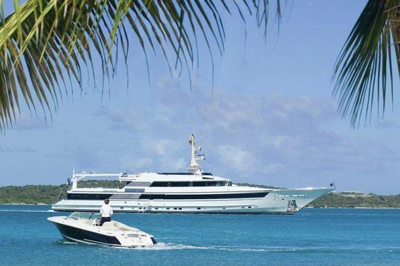 ISLANDER cruising in the Bahamas