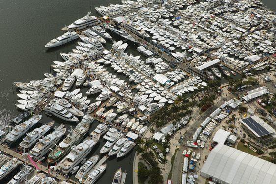 Day 1 at the Palm Beach Boat Show 2017