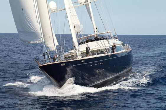Charter yacht Silencio under sail in Sardinia