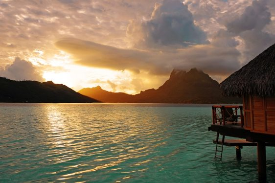 Video: Superyacht SILENCIO in Tahiti