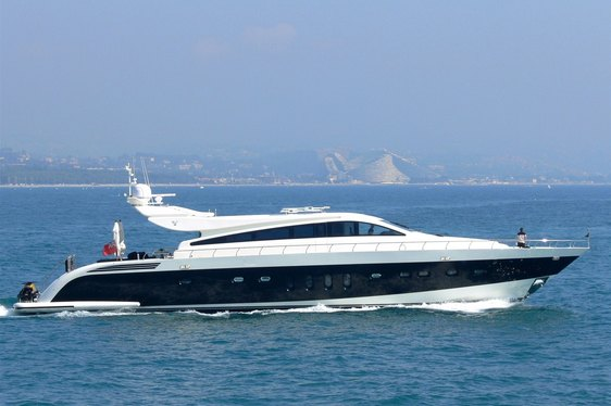 M/Y FRIDAY Offers Discount on Weekly Charters in the Mediterranean