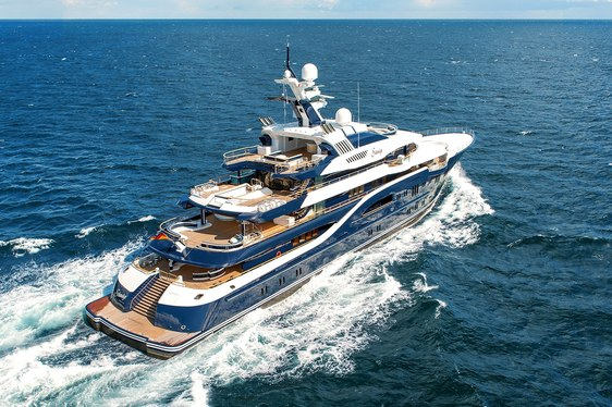 Discovering the Yacht Behind the Espen Oeino Lines: Superyacht SOLANDGE
