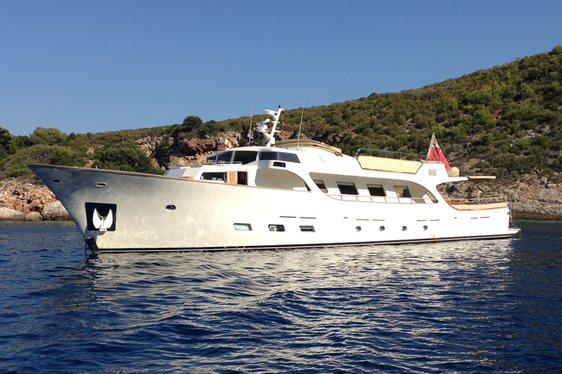 Superyacht 'Conquest of 1966' Joins Global Charter Fleet