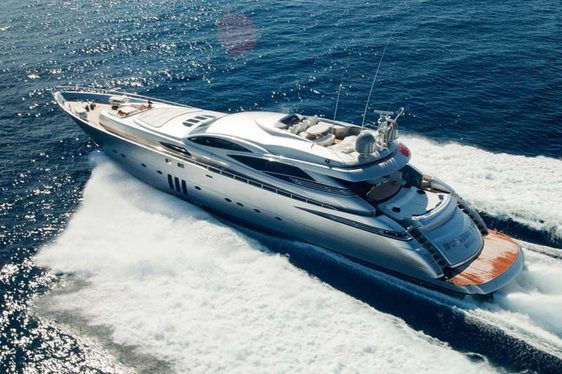 Motor Yacht 'MISTRAL 55' Lowers Daily Rate in September