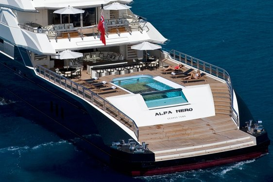 How Did Superyacht 'Alfa Nero' Get its Helipad?