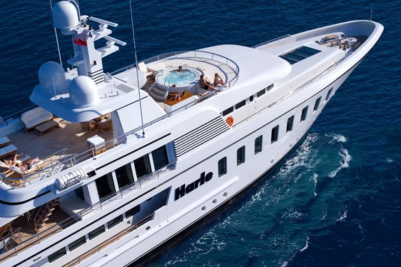 SUperyacht Harle cruising on event charter