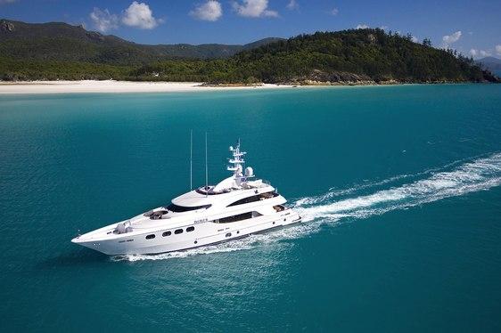 Superyacht 'DE LISLE III' Cruising in Australia