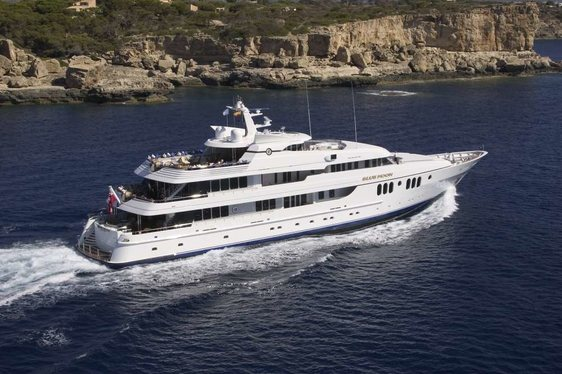 VIDEO: Behind-the-Scenes on Feadship Motor Yacht 'Blue Moon'