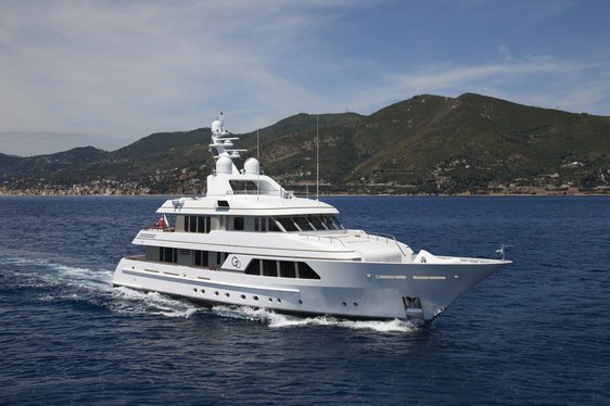 Feadship Superyacht GO Re-Launched After Lengthening