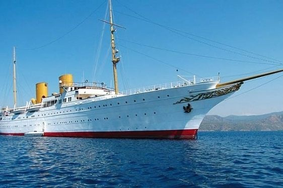 Plans to turn SAVARONA the Largest Classic Charter Yacht into a Museum