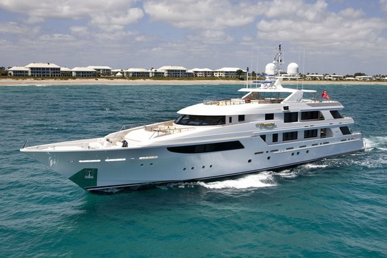 Motor Yacht HARMONY Significantly Lowers Charter Rate
