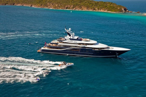 Charter Yacht SOLANDGE Confirmed For Palm Beach Boat Show 2017