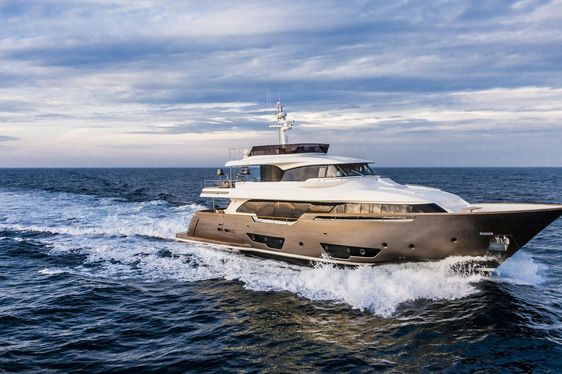 Motor Yacht YVONNE Joins Global Charter Fleet