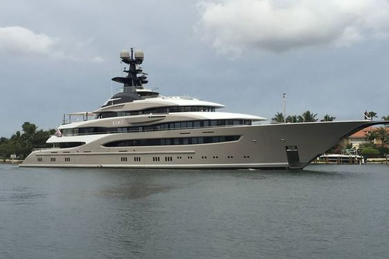 Spotted: Superyacht KISMET is Largest Yacht to Visit Bahia Mar Marina
