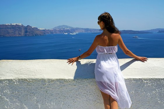 Planning a Greece Luxury Yacht Charter: Santorini or Mykonos?